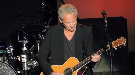 Lindsey Buckingham and Christine McVie to discuss their careers in Fleetwood Mac and as a duo at the Grammy Museum