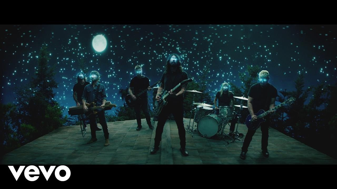 The Foo Fighters Concrete And Gold Debuts At No 1 Axs