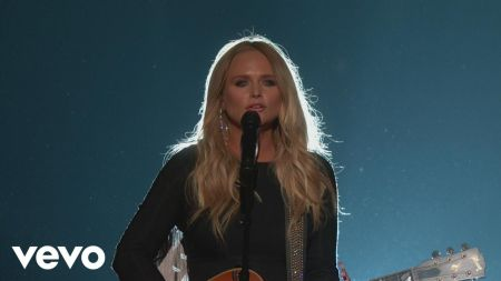 Miranda Lambert's 2018 Livin' Like Hippies Tour includes stop at Sprint Center