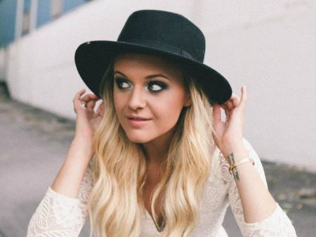 Kelsea Ballerini heads to the 2017 Grammy Awards.