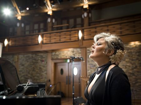 "Interview: Paula Cole to tour ""Ballads"" and hits"
