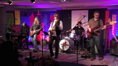 Tom Petty and the Heartbreakers tribute band The Damn Torpedoes to honor the late singer on upcoming tour