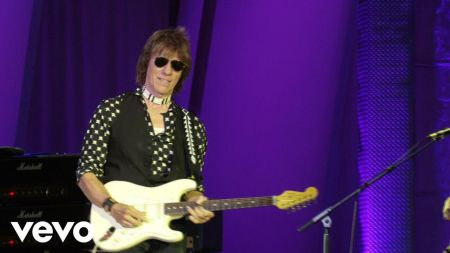 Jeff Beck still plays a mean guitar after all these years