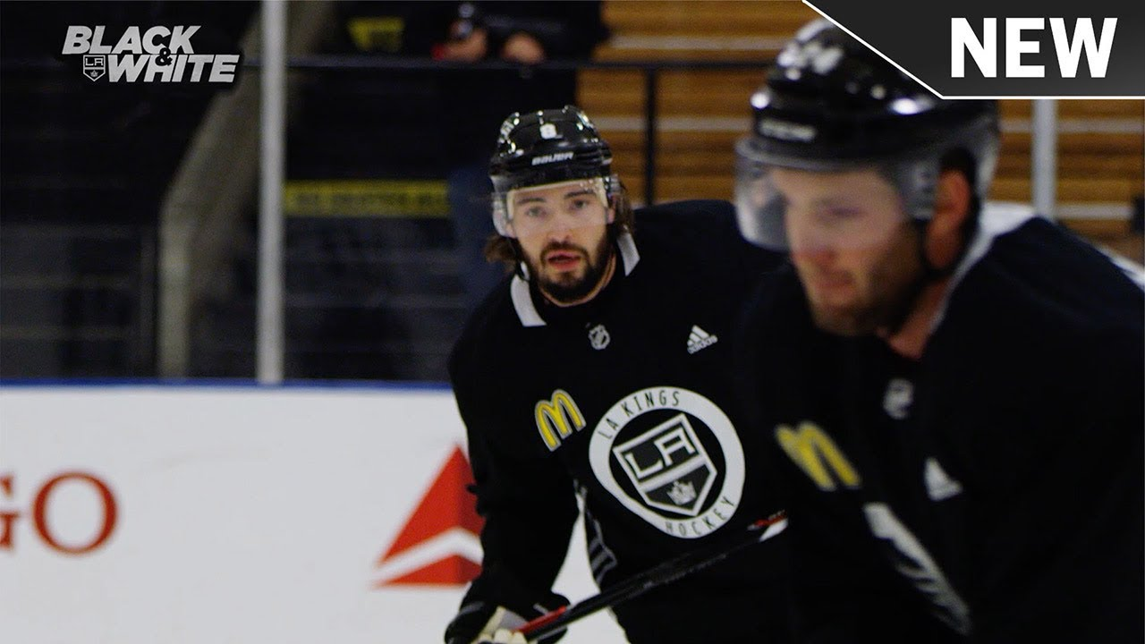 Revamped LA Kings begin quest for the Cup with 2-0 win over Flyers