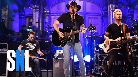 Jason Aldean covers Tom Petty's 'I Won't Back Down' on 'SNL'
