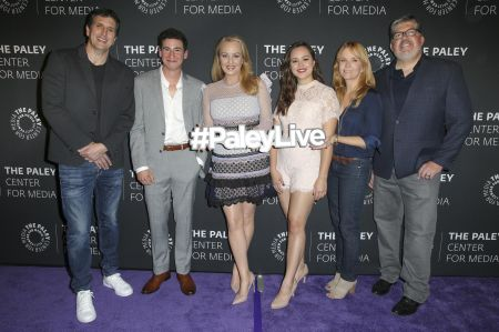 BEVERLY HILLS, CA – OCTOBER 17: (L-R) Executive producer Doug Robinson, actor Sam Lerner, actresses Wendi McLendon-Covey, Hayley Orrantia, d