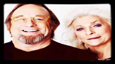 Stephen Stills & Judy Collins to discuss their legendary careers at the Grammy Museum