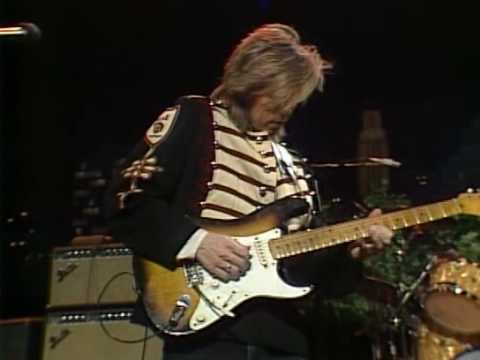 Iconic guitarist Eric Johnson strings together 2018 Ah Via Musicom tour