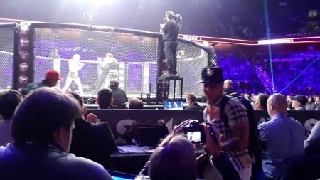 Video: Shelly Vincent mocks Heather Hardy from cageside seats at Bellator 185