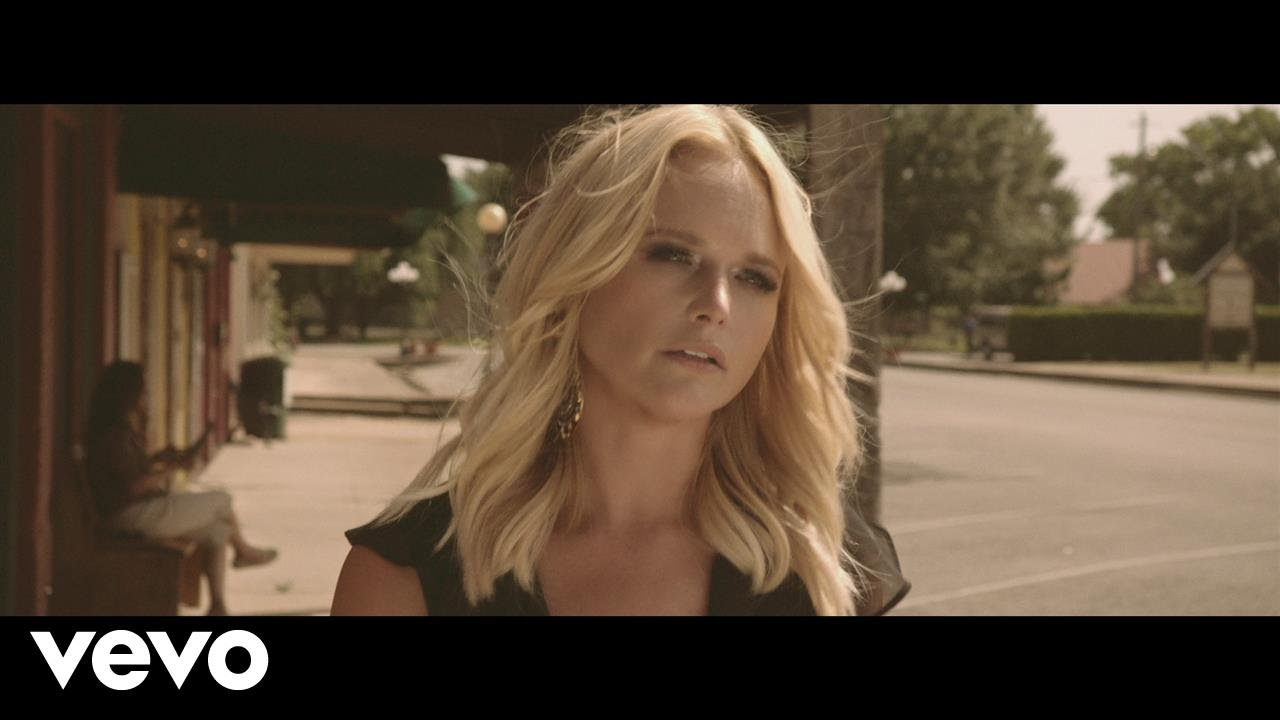 Miranda Lambert gives back in hometown with pet adoption center