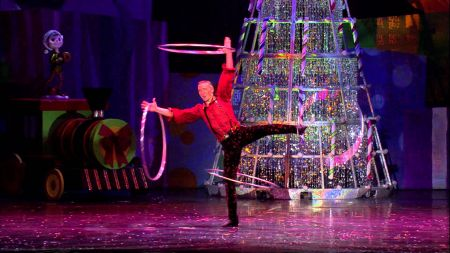Cirque Dreams to celebrate the 'Holidaze' at the Verizon Theatre at Grand Prairie