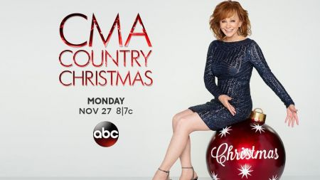 Reba McEntire will host the 2017 CMA Country Christmas