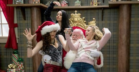 Movie review: 'A Bad Moms Christmas' is ho-ho-horrible