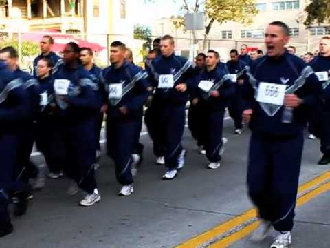 Turkey trots and Thanksgiving parades in San Antonio 2017