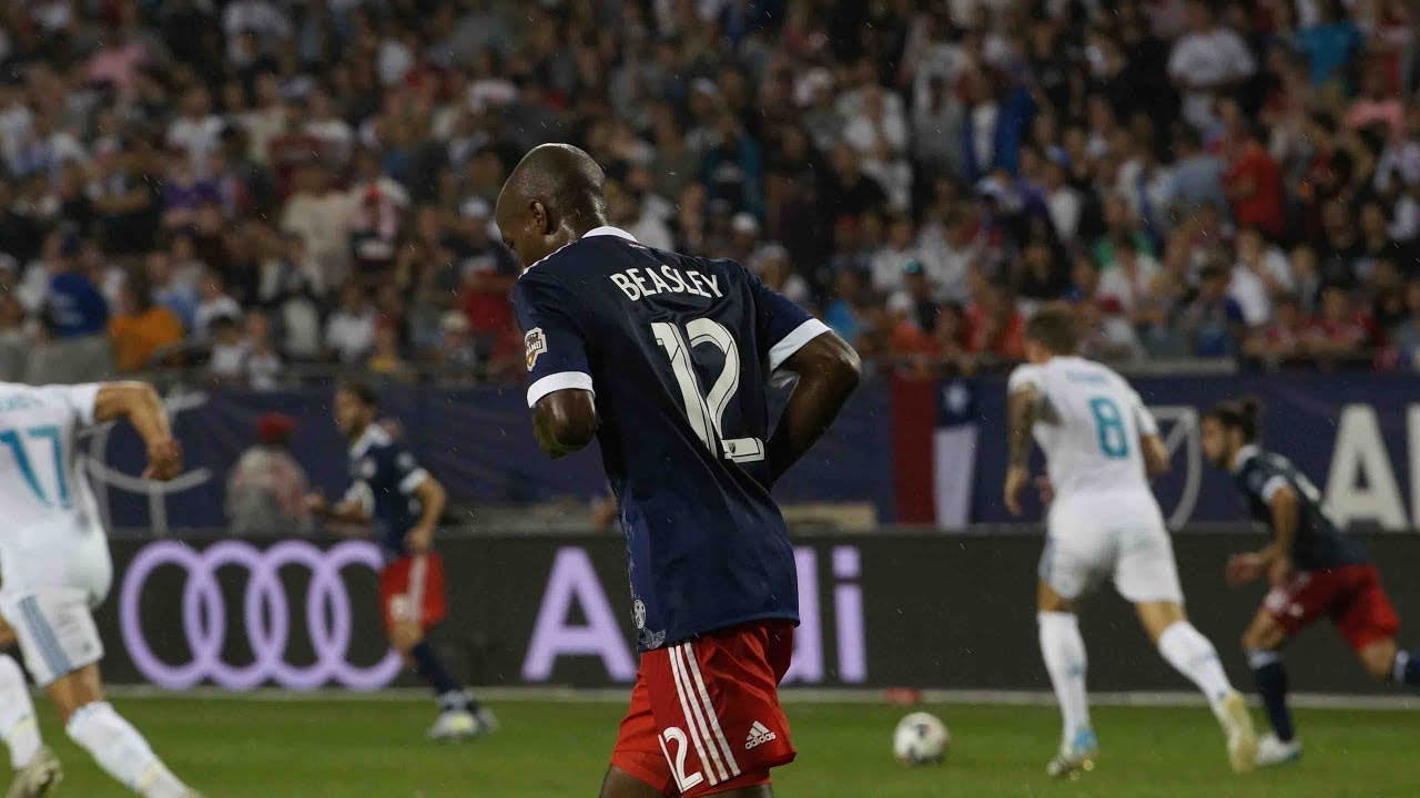 DaMarcus Beasley wins MLS Fair Play Award for 2017