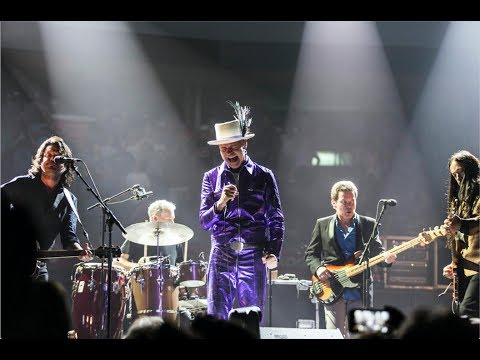 Tragically Hip to release documentary and farewell concert film in December