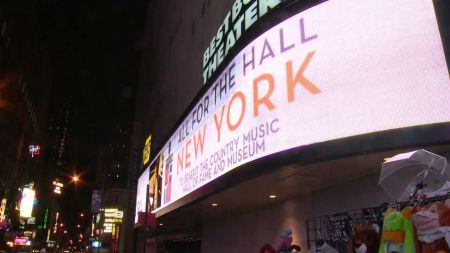 Country Music Hall of Fame to return to NYC's PlayStation Theater for benefit with Vince Gill, Emmylou Harris, Kesha and Maren Morris