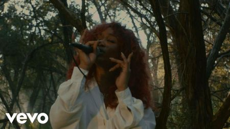 Watch: SZA delivers natural performance of 'Go Gina' in new outdoor video
