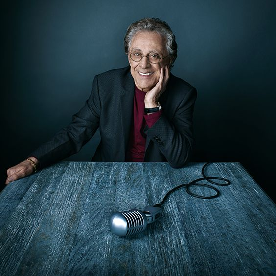 The 85-year old son of father (?) and mother(?) Frankie Valli in 2019 photo. Frankie Valli earned a  million dollar salary - leaving the net worth at 80 million in 2019