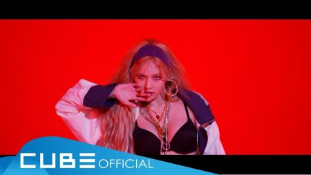 HyunA flaunts plenty of 'Lip & Hip' in new music video for fans