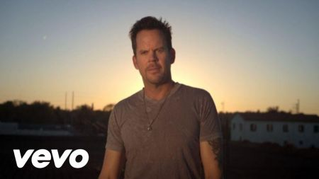 Hard Rock Hotel Las Vegas goes country with straight from the heart performances by Gary Allan