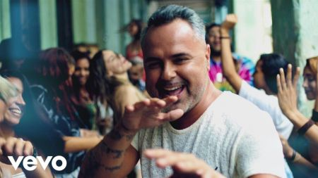 Belinda returns in Juan Magán's music video for 'Déjate Llevar'