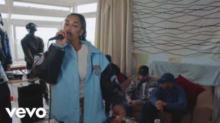 Jorja Smith adds 2018 tour dates