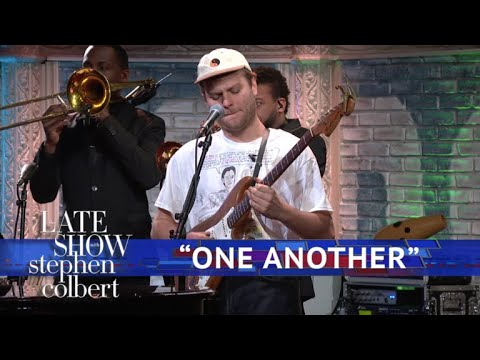 Mac DeMarco hung out with Tom Hanks and performed on &#039 ...