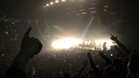Watch: Oasis' Liam Gallagher and Paul 'Bonehead' Arthurs reunite at Manchester Arena