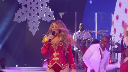 Mariah Carey postpones winter tour of Australia with promises of 'a much bigger tour'