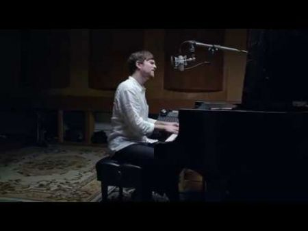 Watch: James Blake performs 'Vincent' as holiday season gift to fans