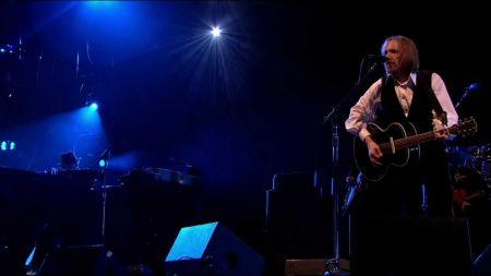 Rock icon Tom Petty dead at age 66