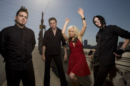 Interview: Berlin's Terri Nunn talks cool concerts, new album