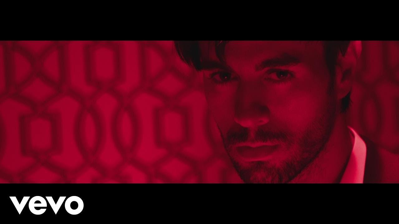 Enrique Iglesias And Bad Bunny Highlight El Bao In Sexy Music Video - Axs-9434