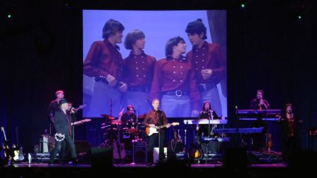 The Monkees' Micky Dolenz honors the career of Neil Diamond