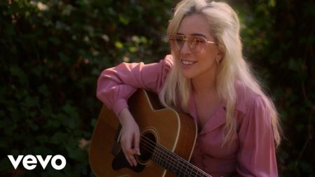 Lady Gaga releases new version and video for single 'Joanne'