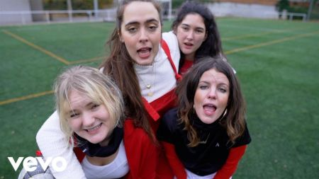 Watch Hinds' highly enjoyable music video for 'New For You'
