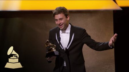 Flume wins 2017 GRAMMY award for Best Dance / Electronic Album