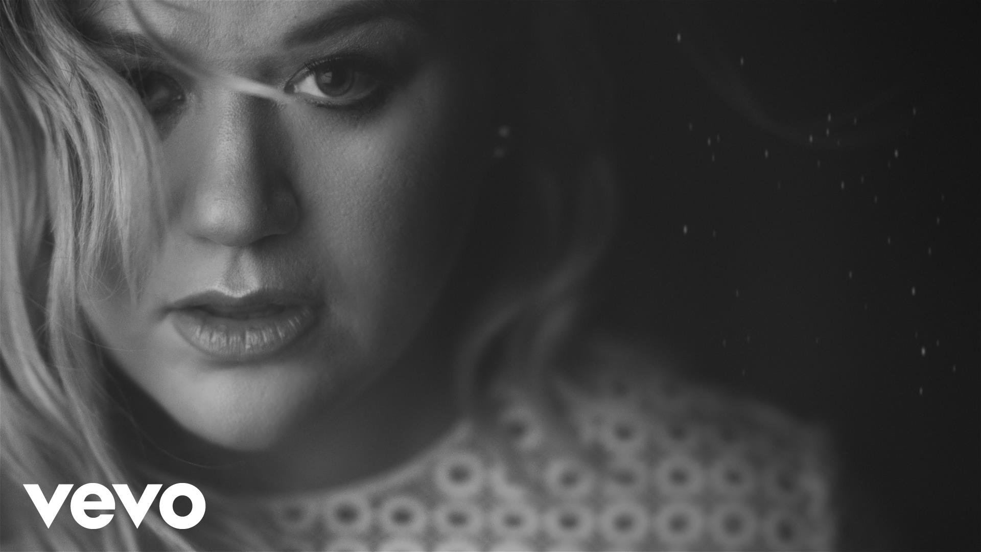Kelly Clarkson earns Grammy nomination for emotional performance of ...