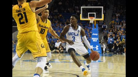 Pac-12 Sunday Scoop Shots: Everyone's chasing the Wildcats now