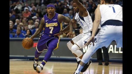 Isaiah Thomas thrives in debut with Los Angeles Lakers