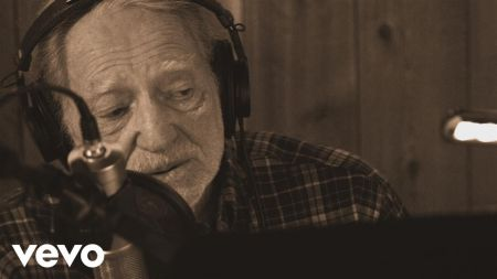 Willie Nelson announces new album 'Last Man Standing,' listen to new track