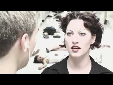 Amanda Palmer releases new version of 2008's 'Strength Through Music' in response to Parkland shooting