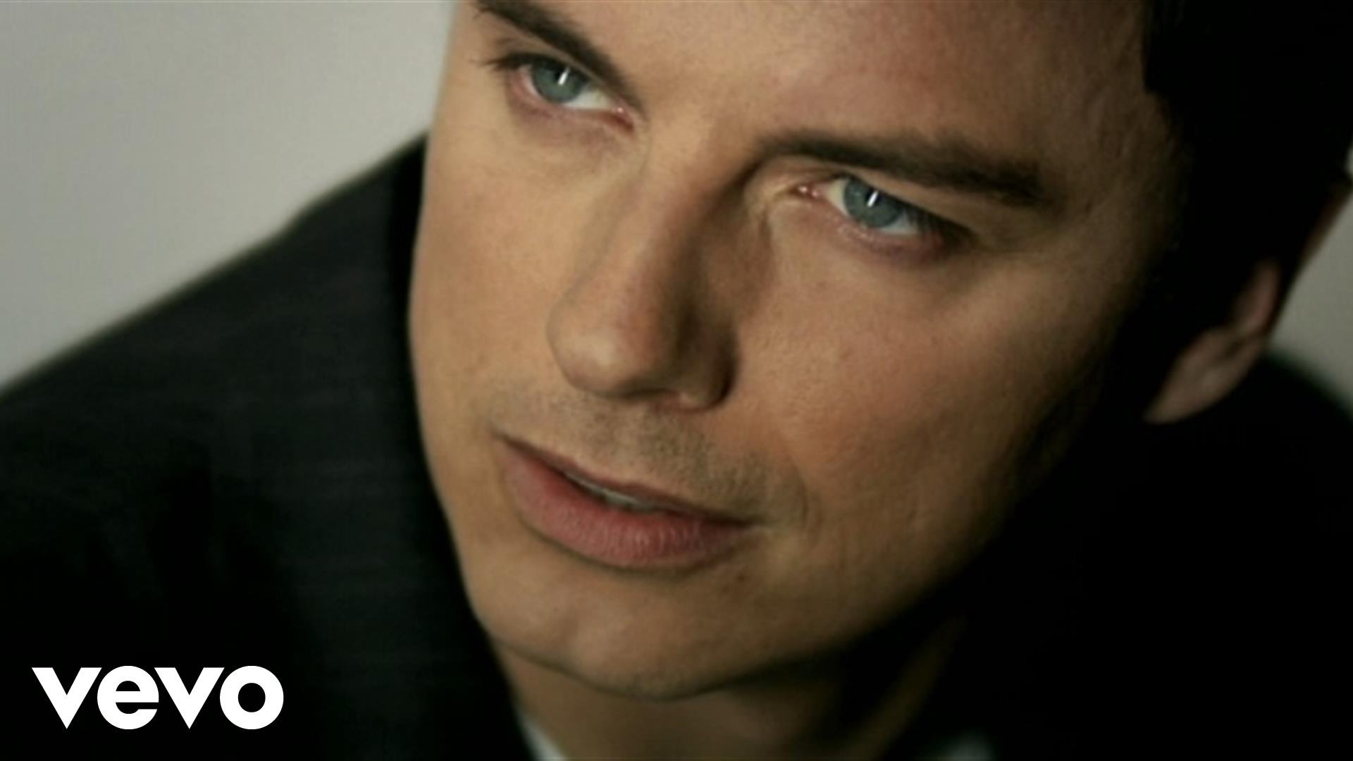 Celebrate John Barrowman's birthday with his 5 best songs