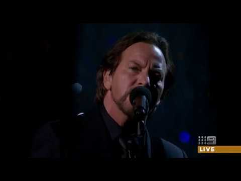 Watch: Eddie Vedder perform Tom Petty's 'Room at the Top' during 2018 Oscars In Memoriam