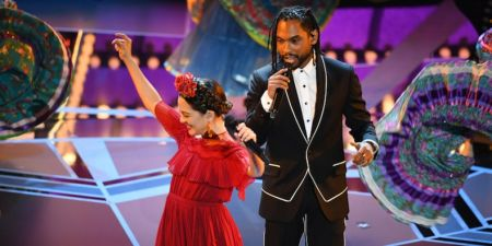 Watch: Miguel performs Coco's 'Remember Me' at the 2018 Oscars