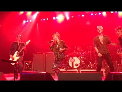 Watch: Stone Temple Pilots invite 9-year-old kid to sing 'Dead and Bloated'