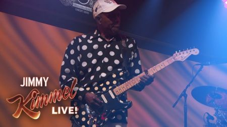Watch: Buddy Guy launches spring tour with performance of Hendrix's 'Red House' on 'Kimmel'