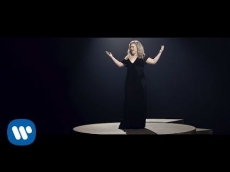 Kelly Clarkson releases 'I Don't Think About You' music video