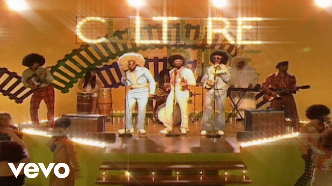 Watch: Migos and Drake share hilarious retro video for 'Walk It Talk It'